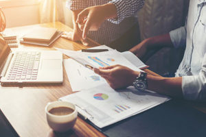 How to Choose a Financial or Tax Adviser